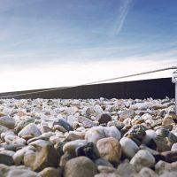 Ligne de vie horizontale ALTILIGNE sur terrasse gravillonnée